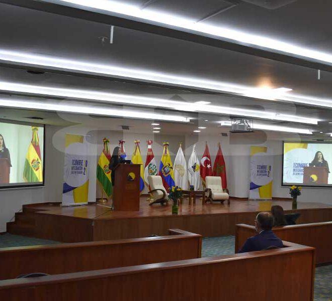 CCTV-Parlamento-andino-9